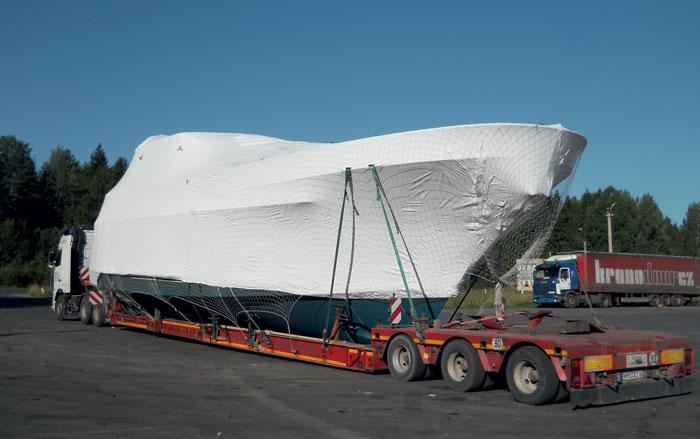 Купленная в Бельгии платформа для перевозки судов была модифицирована по чертежам владельца Logex
