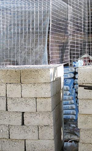 Строительные блоки из полистирол-бетон дешевы и прочны