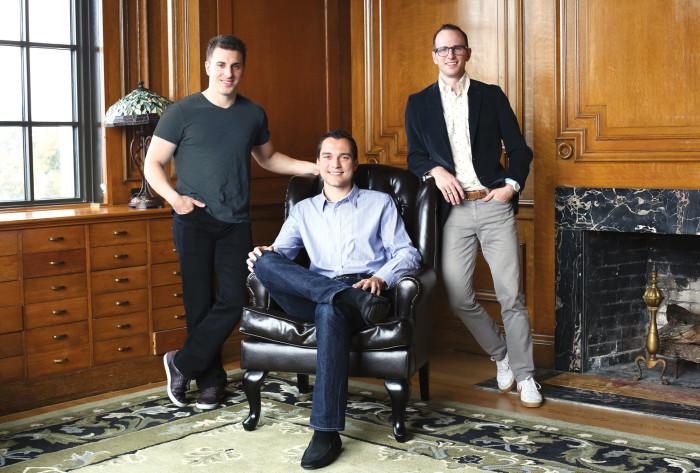 Основатели Airbnb сами живут в картирах, которые находят с помощью своего сервиса