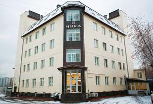 Офис компании удачно расположен рядом с мастерской главного часового изобретателя России Константина Чайкина
