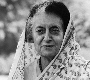 «Мужчиной  среди трусливых баб»  называли  Индиру Ганди на родине