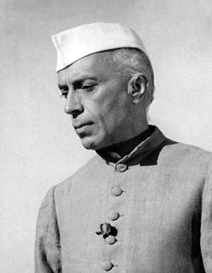 Джавахарлал  Неру  намеревался построить в Индии общество «социалистического образца»