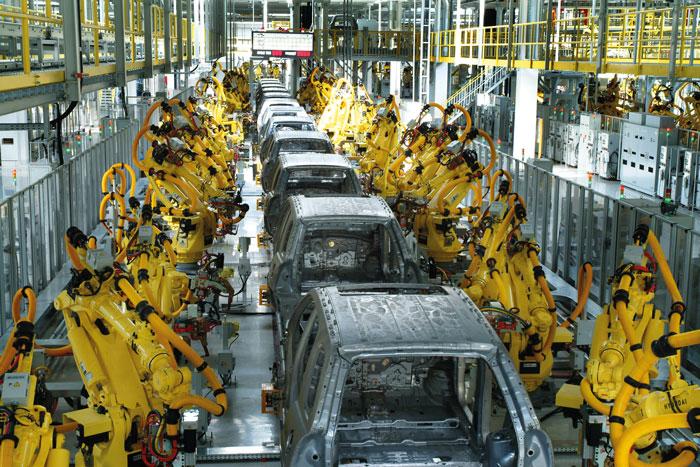Роботизированный  конвейер на автомобильном заводе южнокорейского концерна KIA  в Жилине