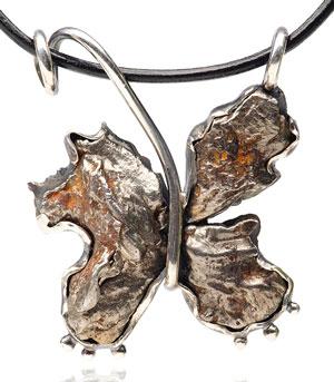Многие метеориты более чем на 90% состоят из железа, но по стоимости это железо может сравниться с драгоценными металлами