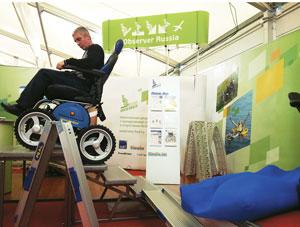 Обнаружив, что разработанная им коляска может преодолевать ступени, Аранин решил довести эту функцию до совершенства