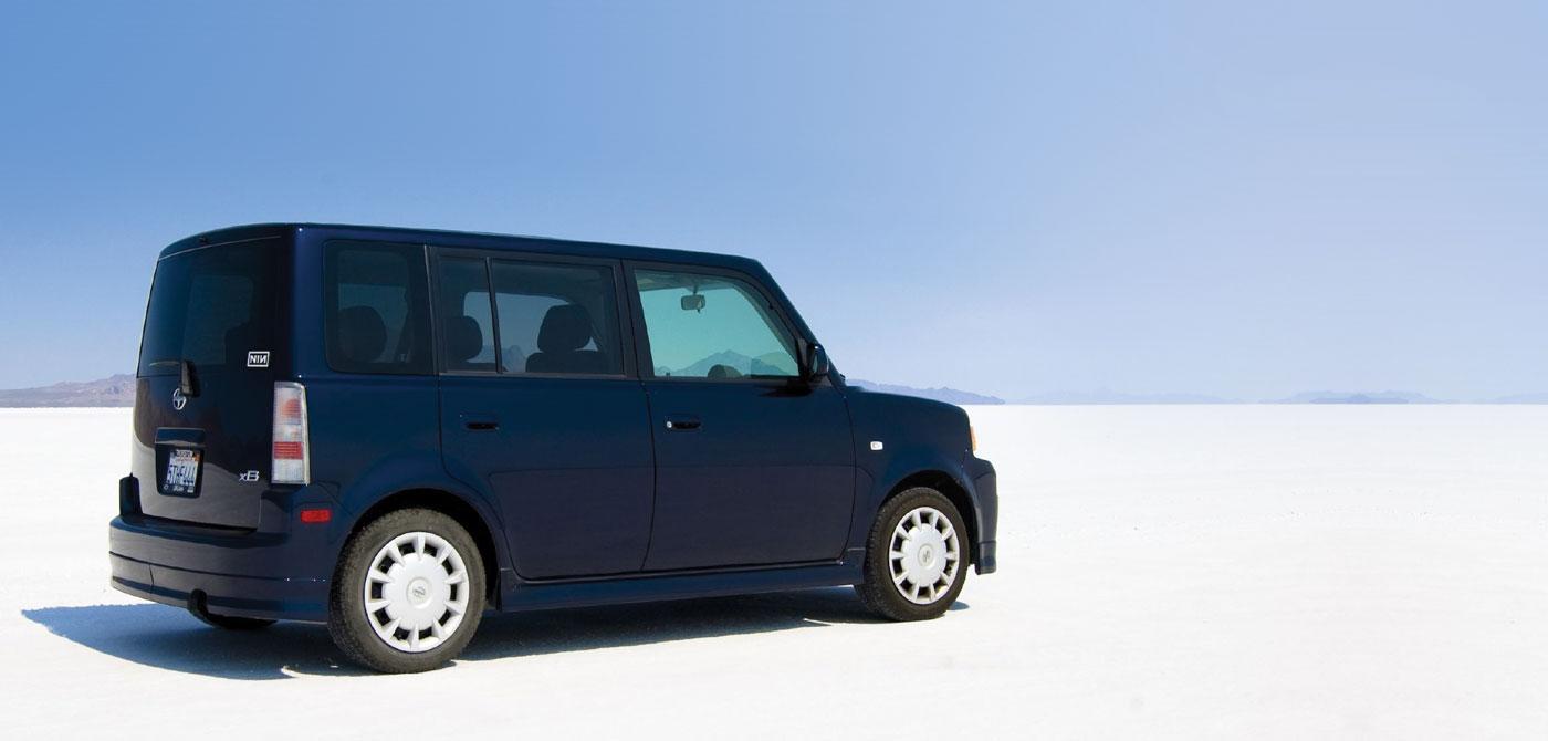 Создатели автомобиля Scion xB сделали базовую модель максимально простой и не пытаются навязать покупателям  дополнительные опции