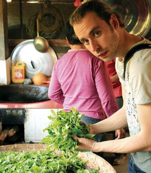 Участники туров, организуемых компанией Потемкина, узнают технологию изготовления знаменитых сортов китайского чая