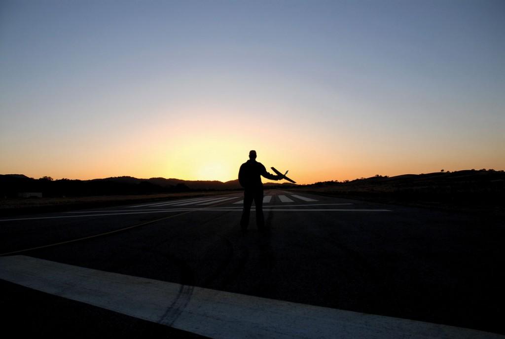 Полет изготовителя беспилотников
