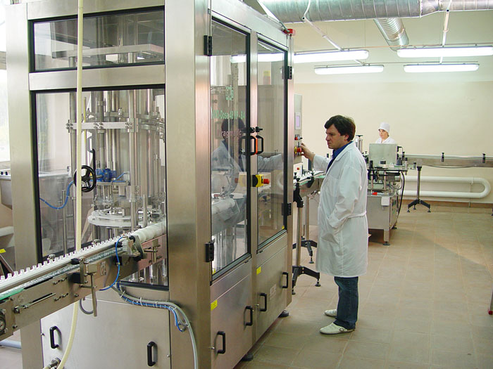 Мощности производства позволяют выпускать до 100 тыс. декалитров продукции в год.