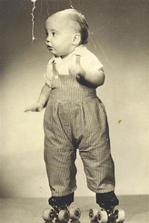 Родители поставили Роджера Адамса наролики раньше, чем оннаучился ходить