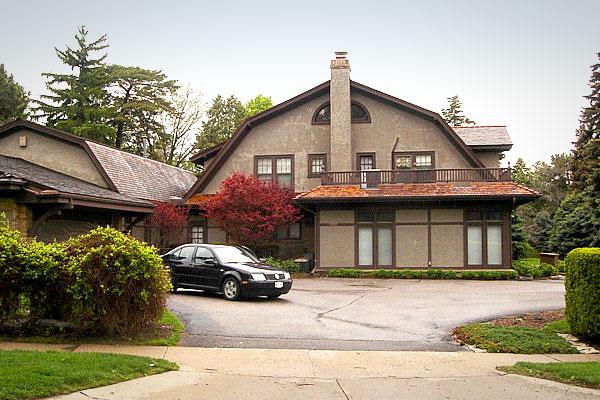 Уоррен Баффет до сих пор живет в этом доме, купленном им в 1958 году за $31,5 тыс.
