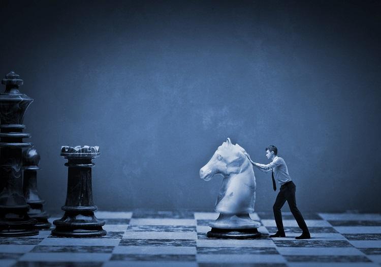 Как вспомогательные подразделения участвуют в реализации стратегии компании